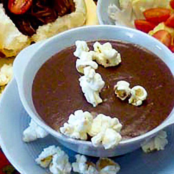 Sopa de feijão com pipocas. Foto:Marcia Zoladz
