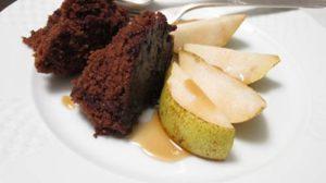 Bolo de chocolate de micro-ondas com calda www.cozinhadamarcia.com.br