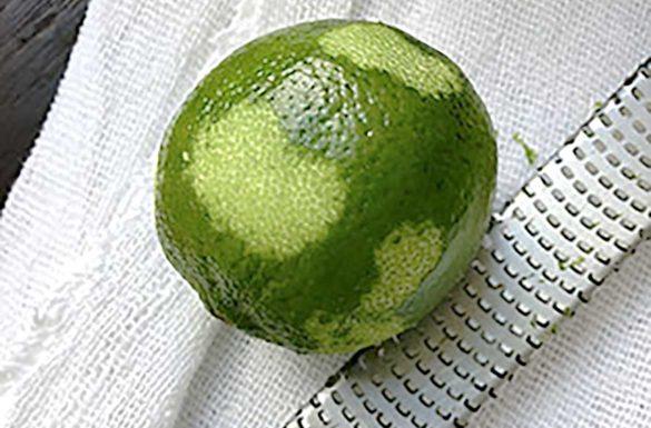 Como ralar a casca do limão. Foto: Marcia Zoladz